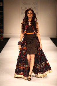 sonali bendre wearing Swati modo at lfw