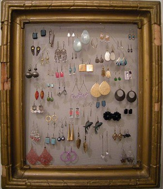 DIY: Do it Yourself Decorative Earring Frame for Fashionista Girls, Super Simple!