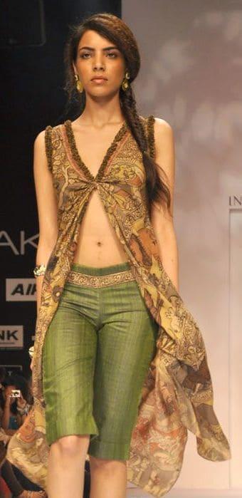Lakme Fashion Week Summer 2012 – Purvi Doshi, Sashikant Naidu, Vaishali S, Debarun, Farah & Firdos Collection