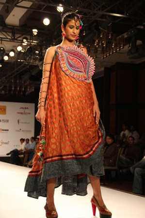 Model Wearing Swati Modo & Poonam Patel