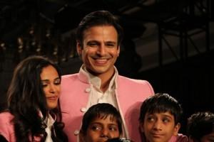 Designer Kirti Rathore with Vivek Oberoi