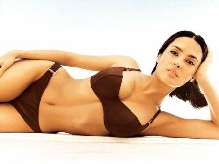 salma-hayek-bikini