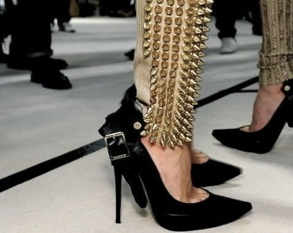 Spike Up !! Include Spikes and Studs Accessories in Your Wardrobe