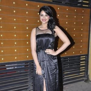 parineeti-chopra-filmfare-awards-2013.jpg