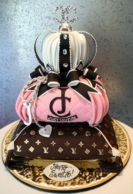 Chanel Fashionista Cake