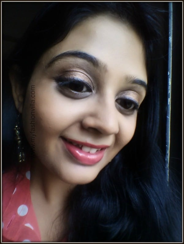 Wearing Sleek iDivine Vintage Romance Eye Shadow