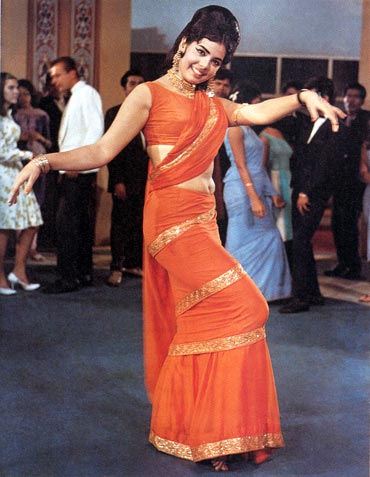 The Bollywood Affair: Wearing Chiffon like A Movie Star