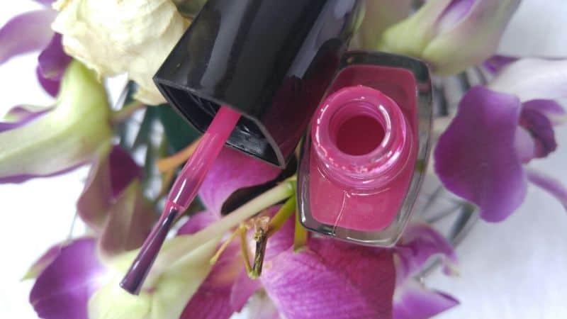 Amway Bold Pink Nail Enamel