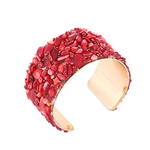 An evergreen stone bracelet
