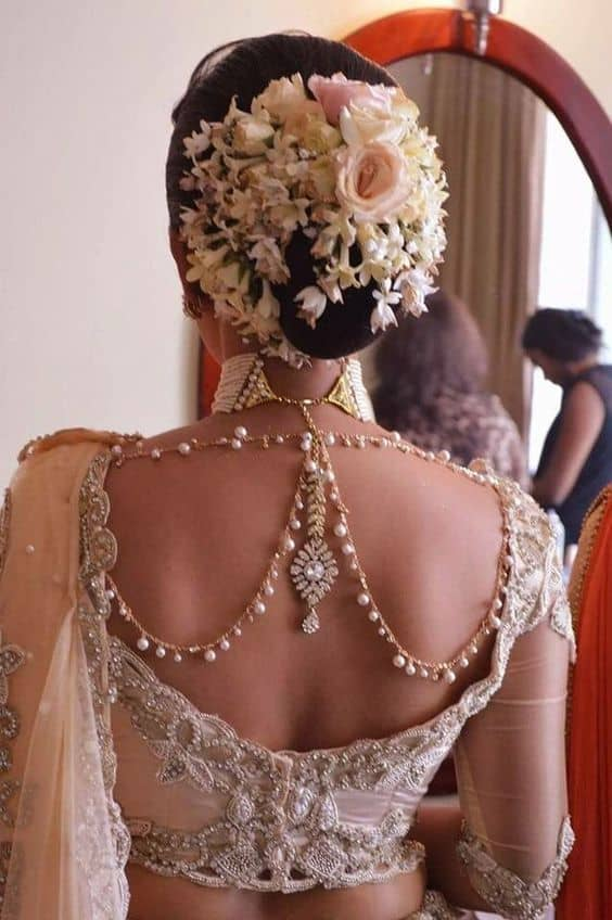 Blouse with jewels at the Back