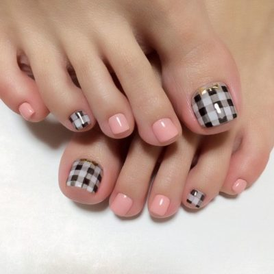 20+ Easy to Do Toe Nail Art Design Ideas for 2019