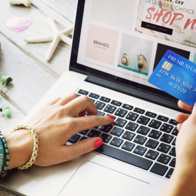 Choosing the Right Catalogue for Your Fashion Purchases