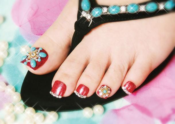 indian toe nail art
