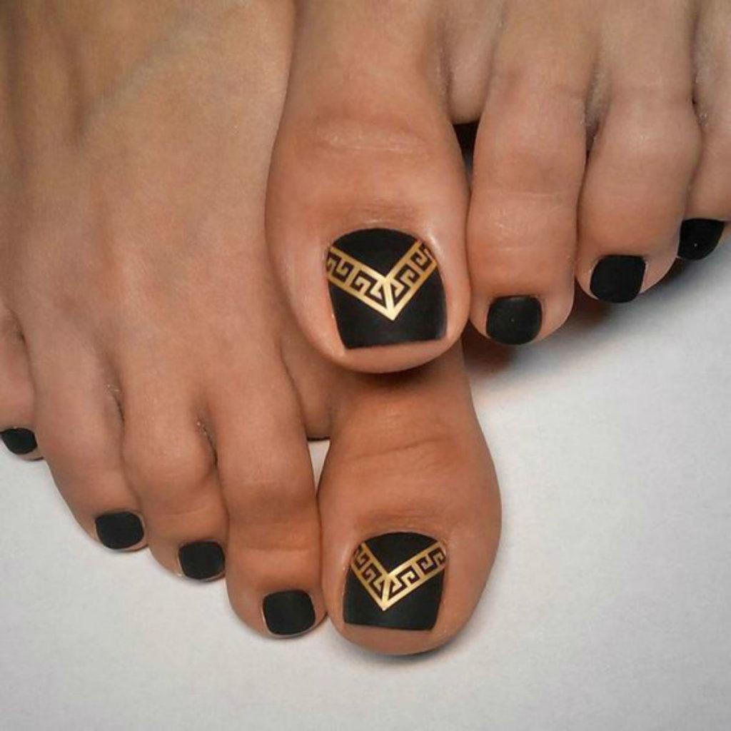 matte toe nails