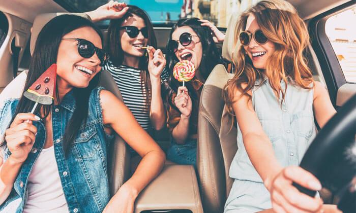 women-trip